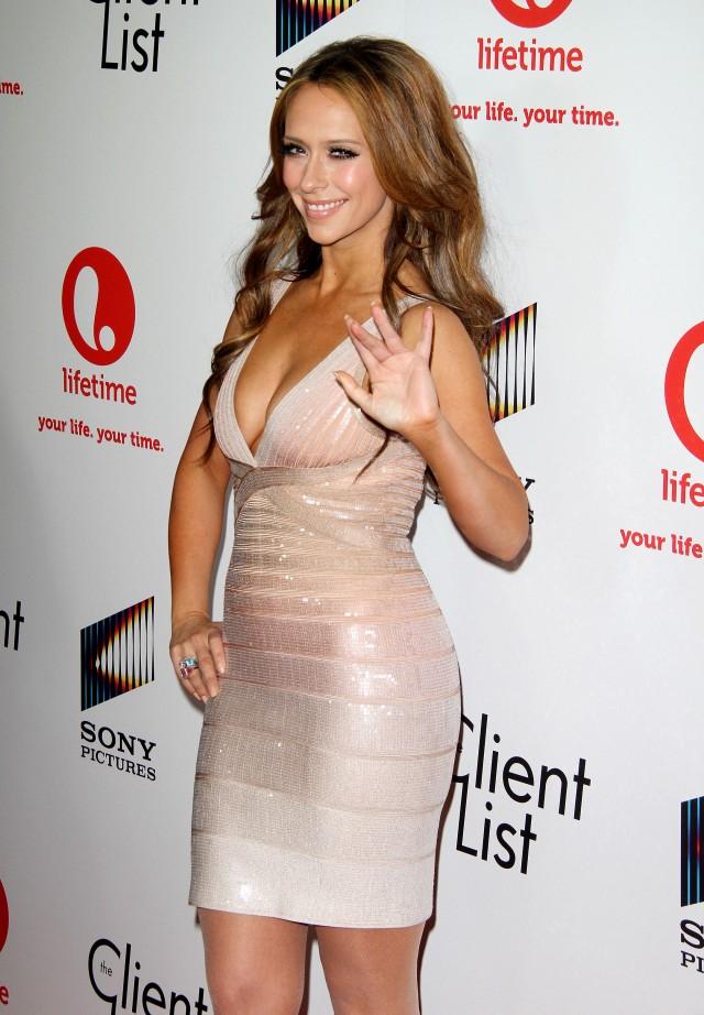 Jennifer Love Hewitt a...
