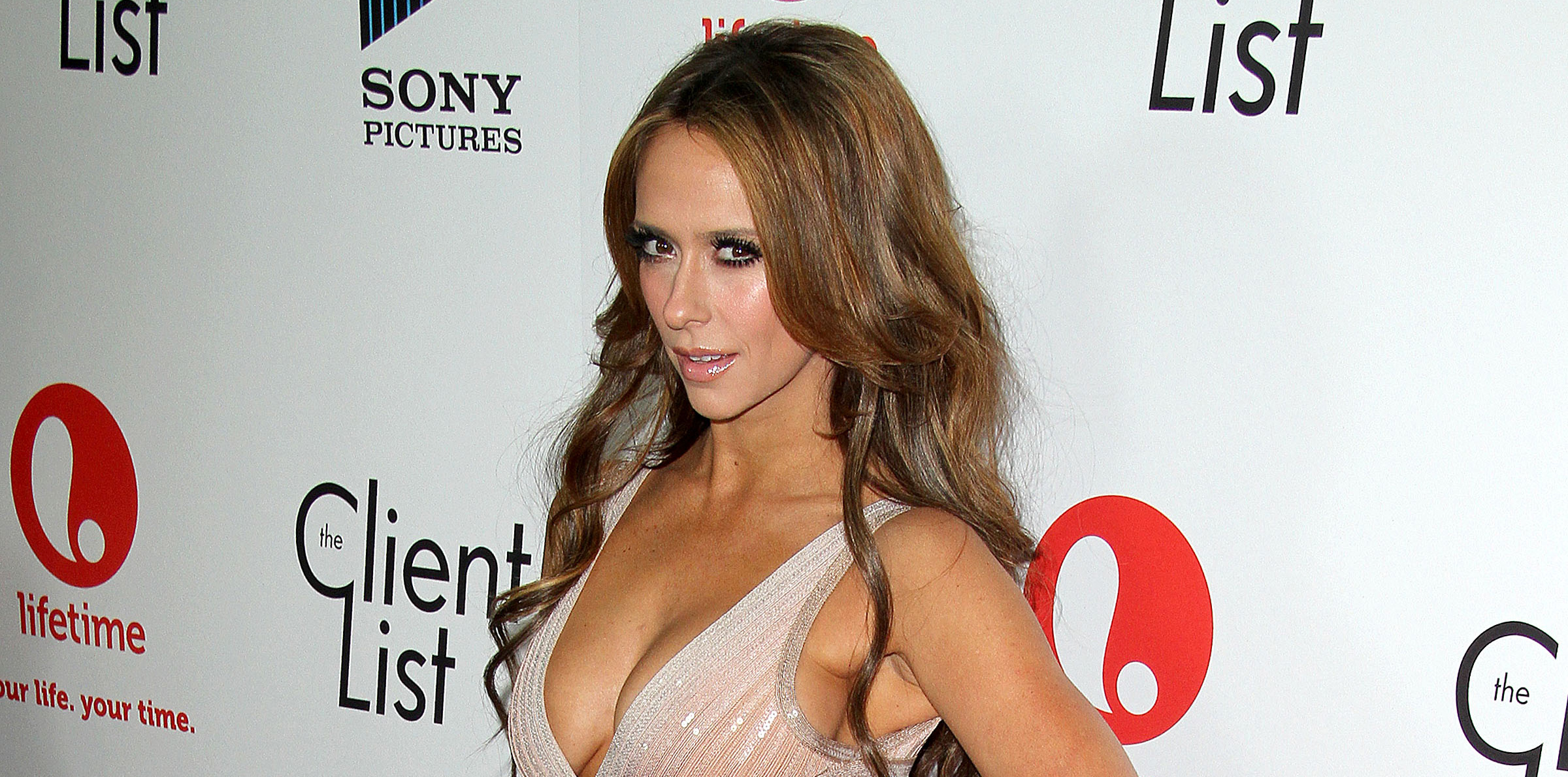 jennifer-love-hewitt-client-list-0405