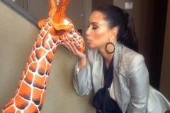 kim-kardashian-giraffe-0424