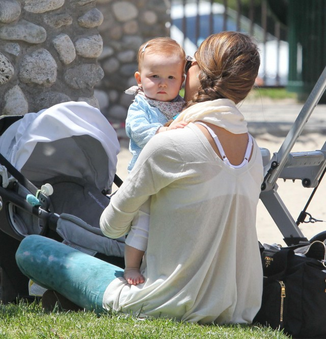 Jessica Alba And Family At The Coldwater Canyon Park