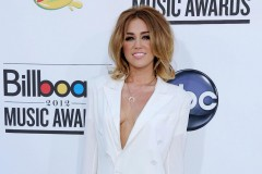 miley-cyrus-billboard-awards-0523