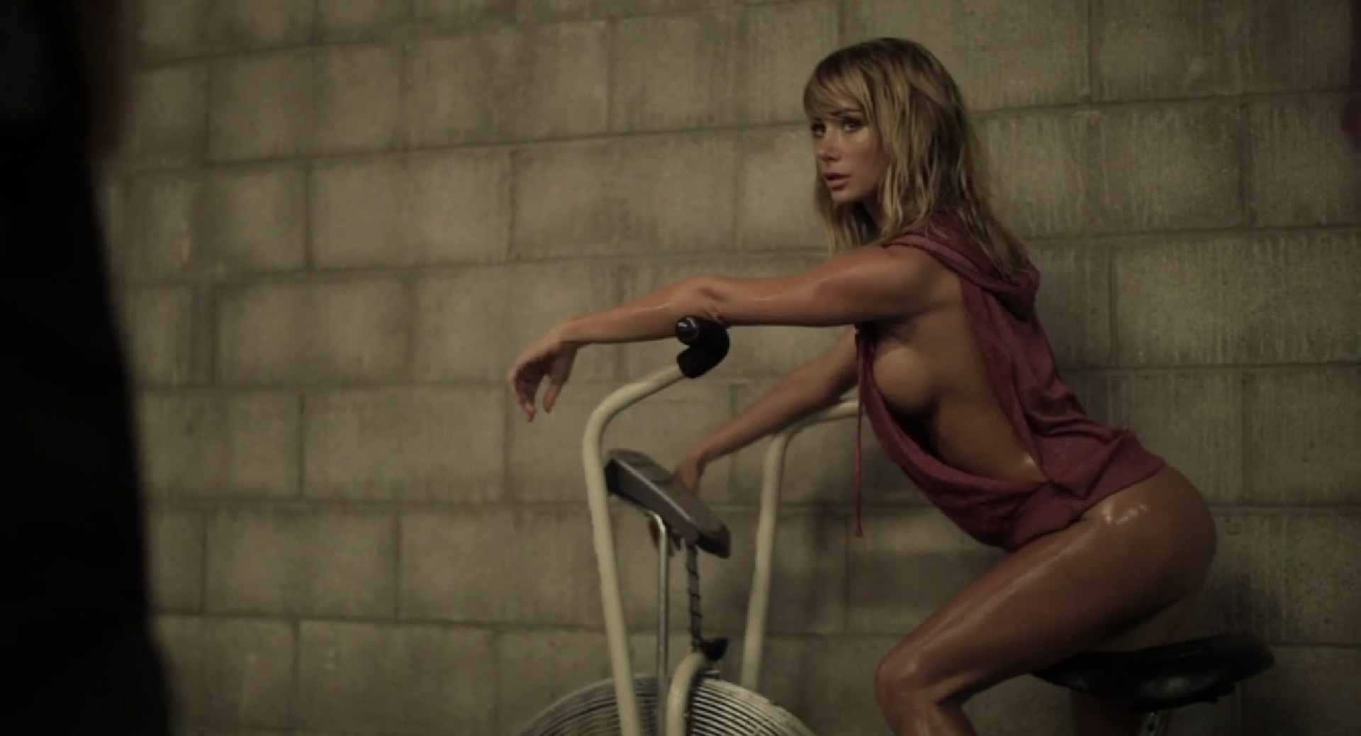 sara-underwood-mf-0503