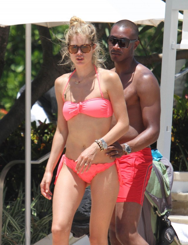 Doutzen Kroes Shows Off Her Bikini Body