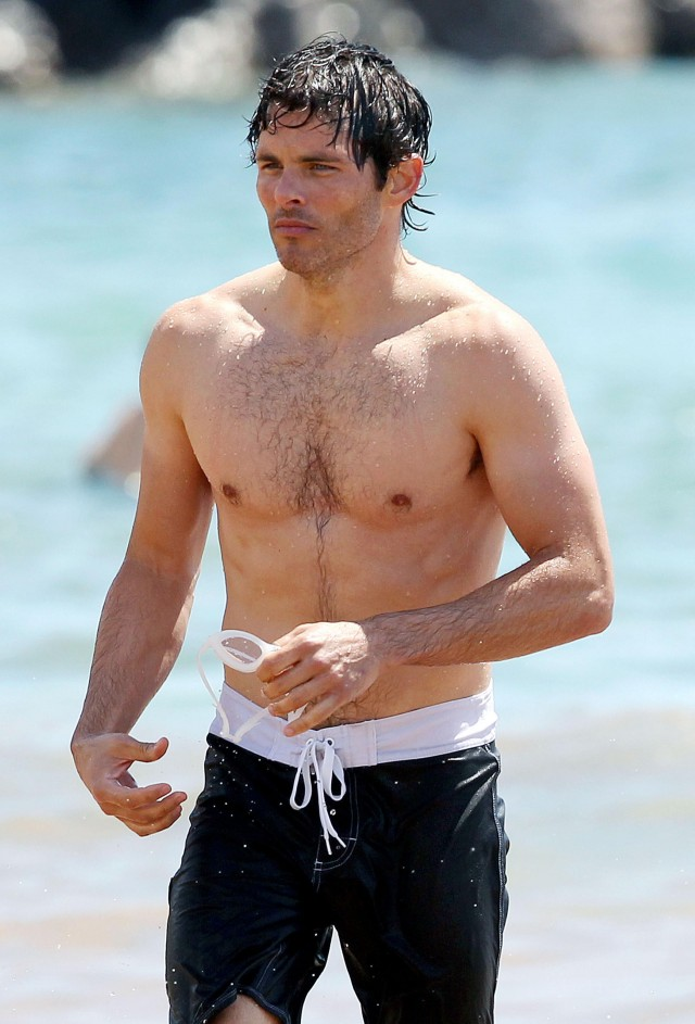 James Marsden Showing Off His Beach Body In Maui