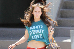 jennifer-love-hewitt-what-about-love-0608