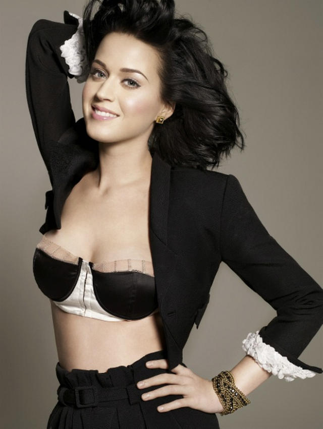 katy-perry-bra-outtakes-02