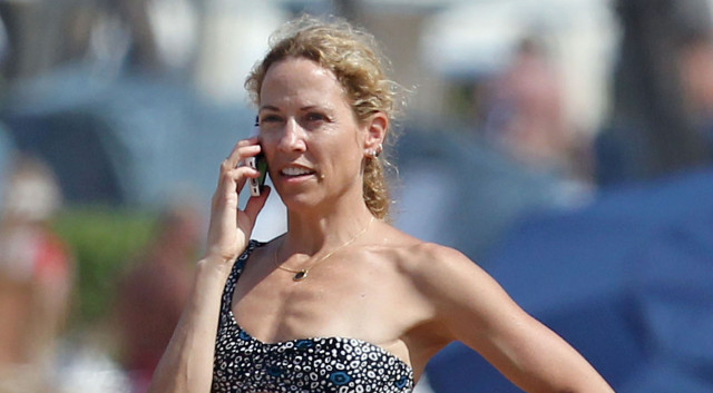 Sheryl Crow Has a Brain Tumor | The Blemish