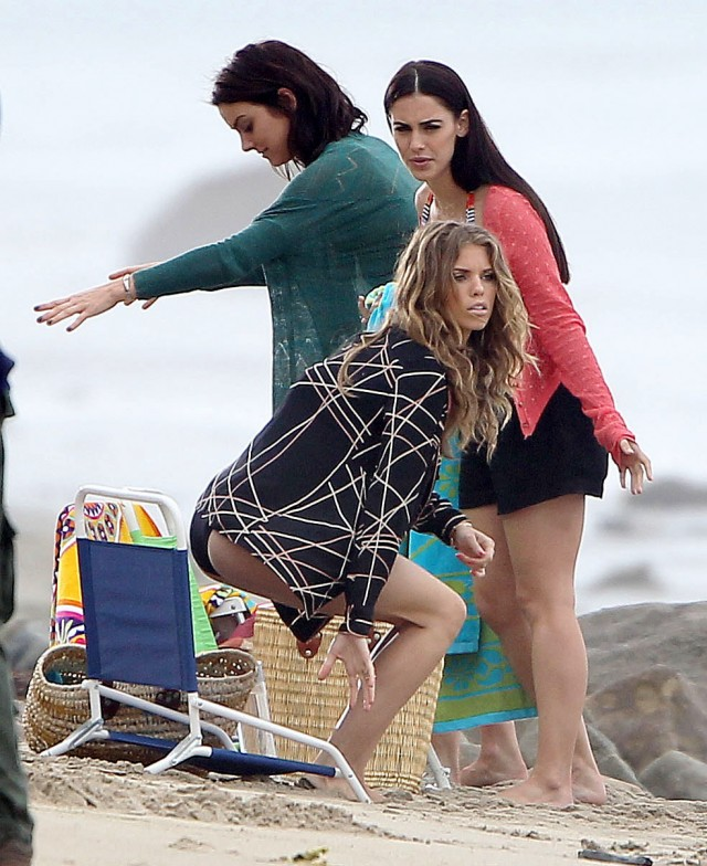 Gorgeous Gals Of '90210' Film At The Beach