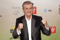 fred-willard-clench-0719