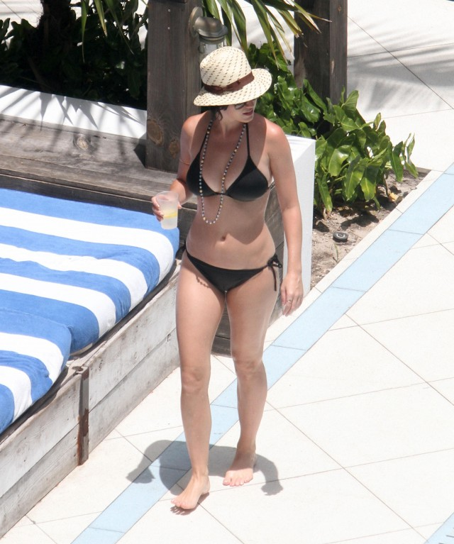 Katy Perry Shows Off Her Bikini Body