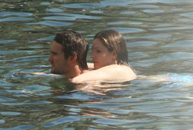 Kelly Brook & Thom Evans Heat Up Ischia