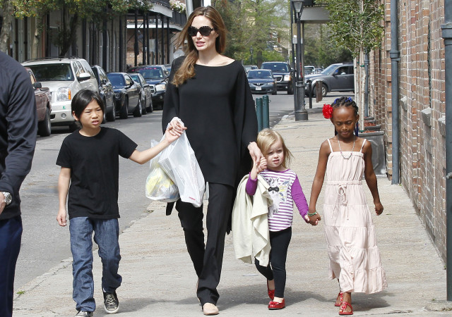 angelina-jolie-kids-0823