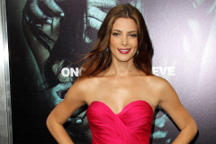ashley-greene-apparition-premiere-0824
