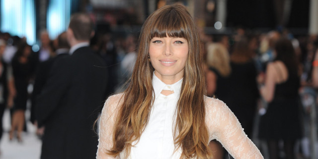 Jessica Biel Sued for Stealing Tips from Waitresses