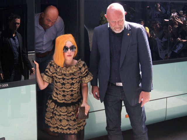 Lady Gaga Arrives In Bucharest With Drama