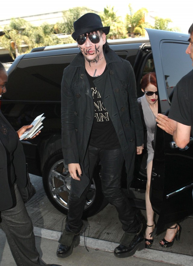 Marilyn Manson Has a Message at LAX