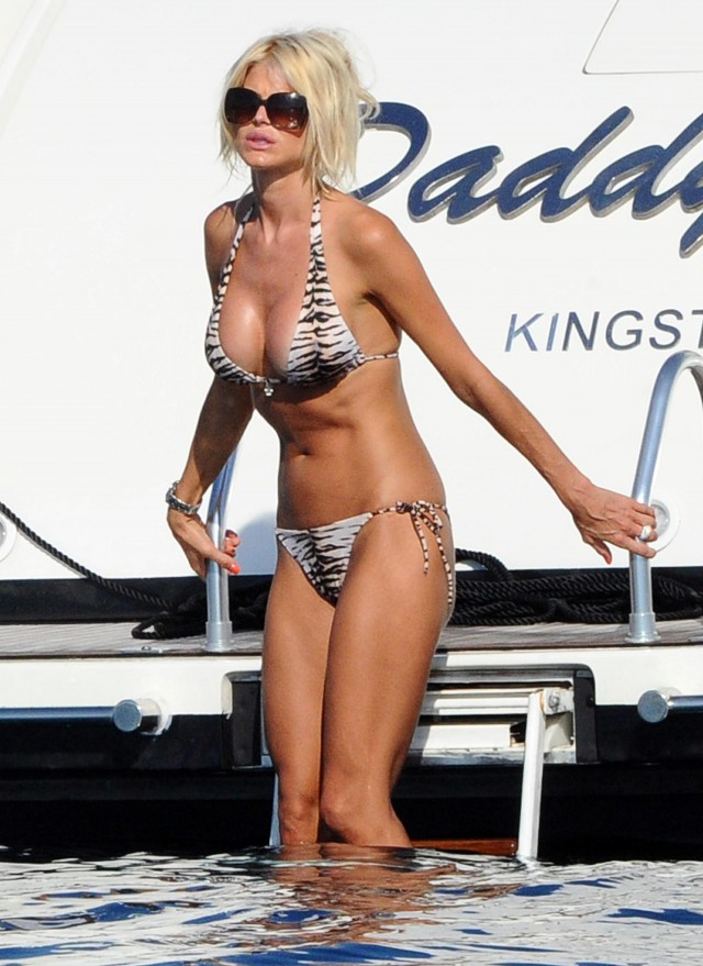 Victoria Silvstedt and Maurice Dabbah On Holiday in Porto Cervo