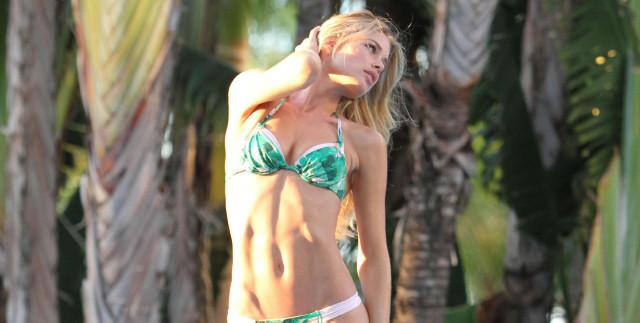 doutzen-kroes-bikini-miami-0912