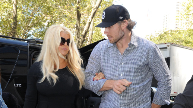 jessica-simpson-body-lunch-eric-0911