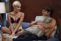 miley-cyrus-two-half-men-0925