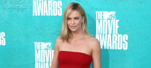 charlize-theron-mtv-1030
