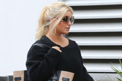 jessica-simpson-shopping-1022