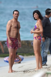 Jon Hamm & Jessica Pare On Set in Hawaii
