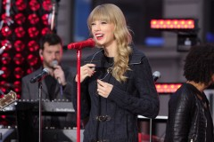 taylor-swift-gma-1025
