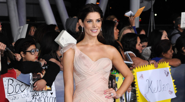 ashley-greene-twilight-premiere-1113