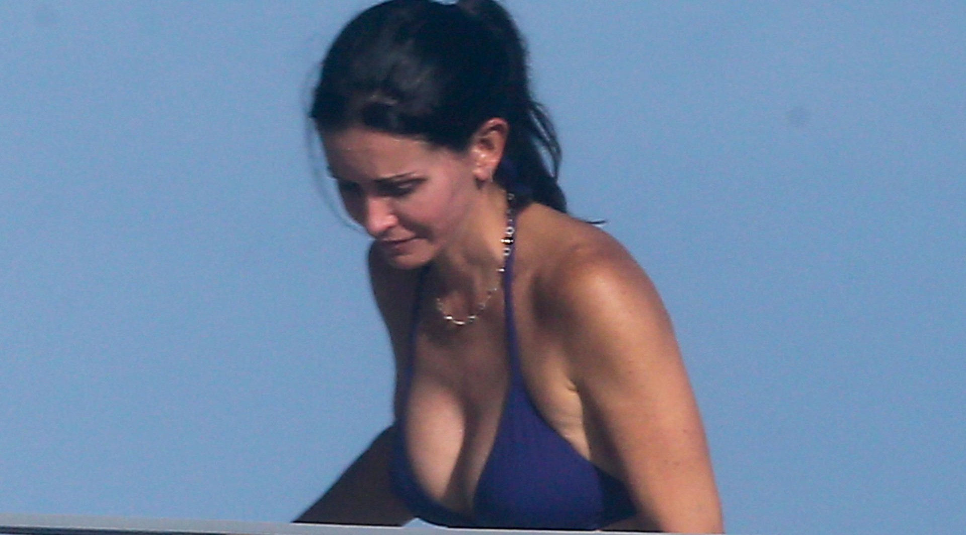 courtney-cox-bikini