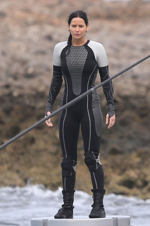 Jennifer Lawrence Gets Wet On The Set Of 'The Hunger Games: Catching Fire'