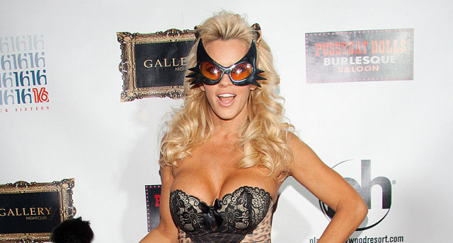 threads jenny mccarthy blew a guy at a truck stop.