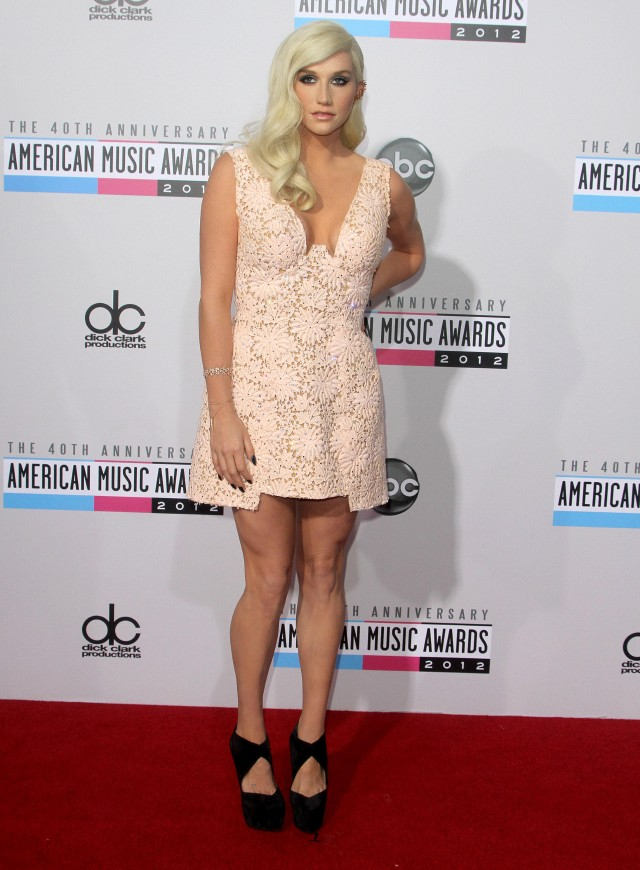 Ke$ha at the 40th Anniversary American Music Awards in LA
