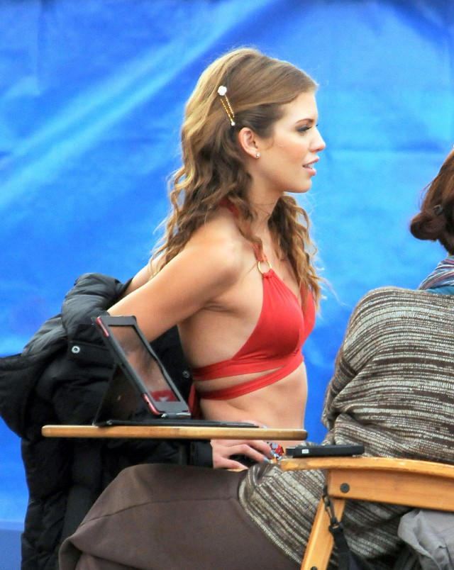 '90210' Films In Huntington Beach