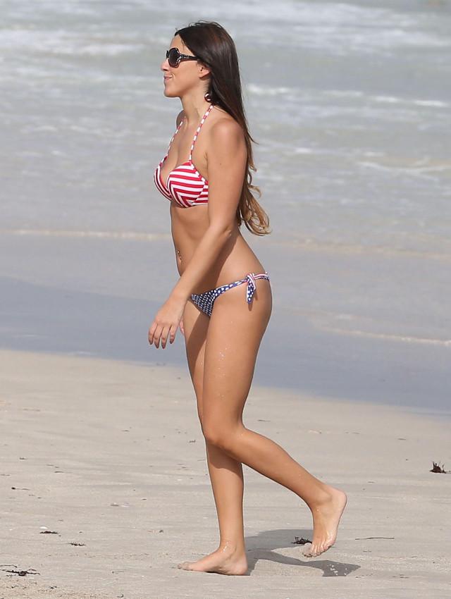 Claudia Romani Showing Off Her Bikini Body In Miami