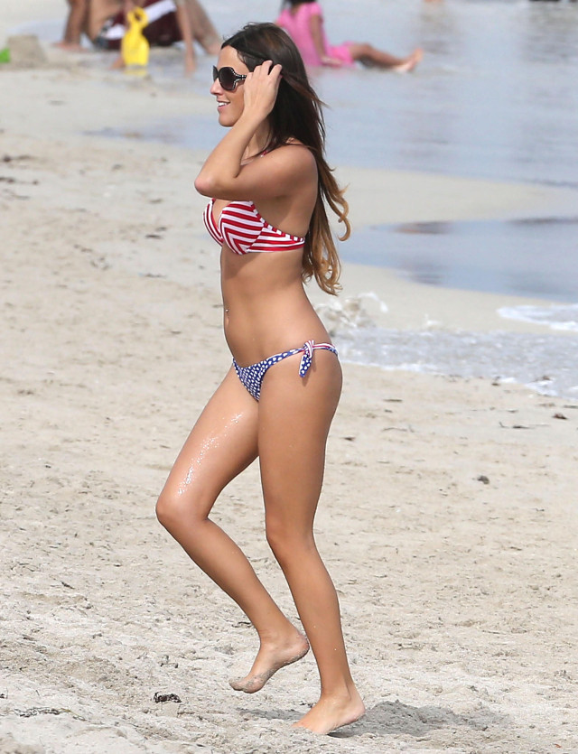 Claudia Romani Showing Off Her Bikini Body In Miami
