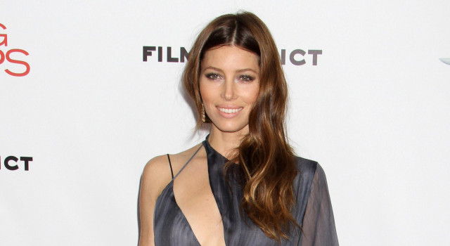 jessica-biel-playing-for-keeps