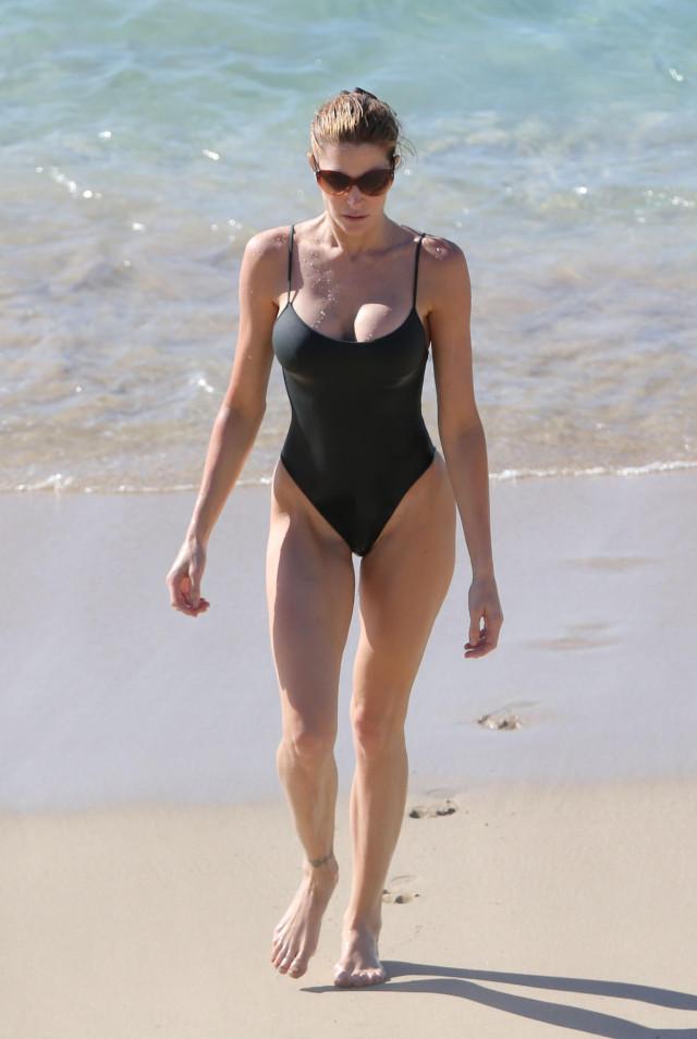 Stephanie Seymour Enjoys A Post Christmas Day On The Beach