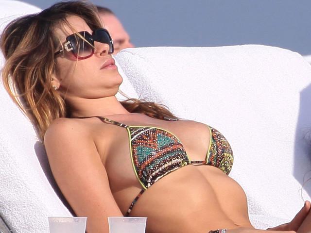 aida-yespica-miami-bikini-08