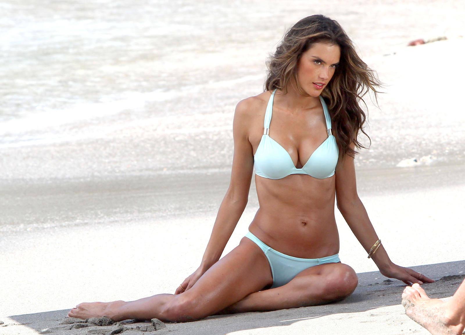 Alessandra Ambrosio Bikini Bodies Pic 17 of 35