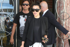 kim-kardashian-pregnant-miami