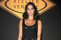 olivia-munn-paris-fashion-week