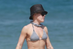 Pink Spends The Day On The Beach With Her Family
