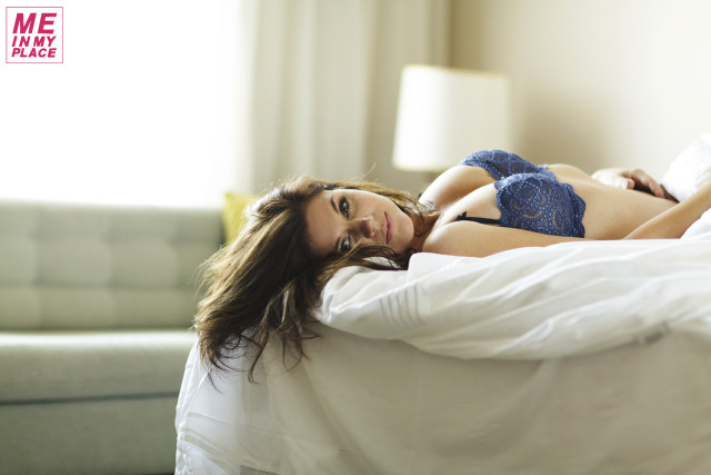 PHOTOS  Tiffani Thiessen Poses for Me in My PlaceTiffani Thiessen 2013 Me In My Place