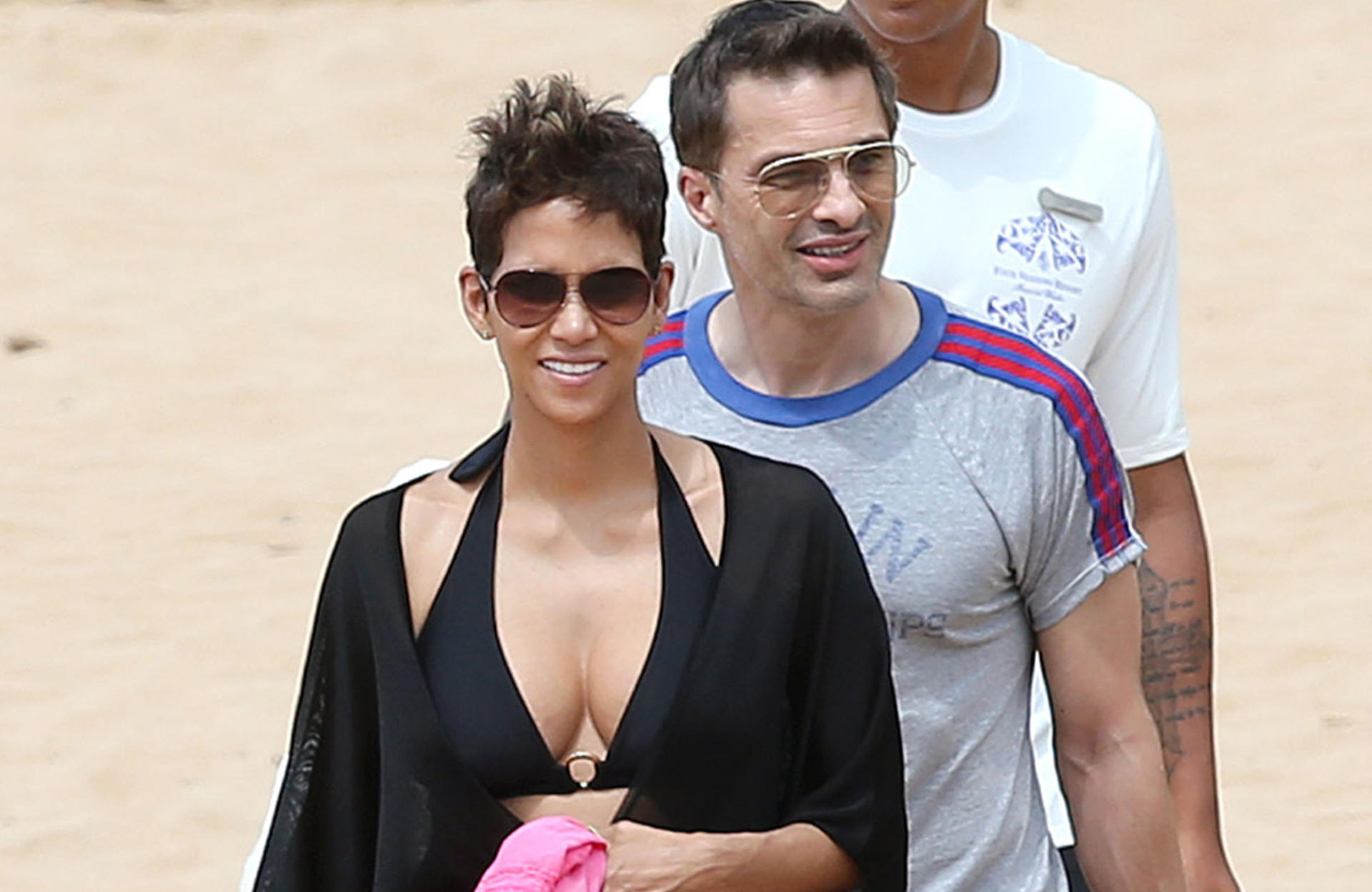 halle-berry-hawaii
