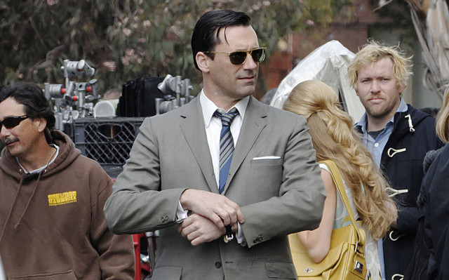 jon-hamm-mad-men-set1