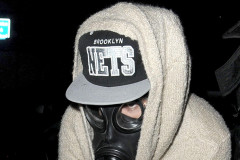 justin-bieber-london-gas-mask