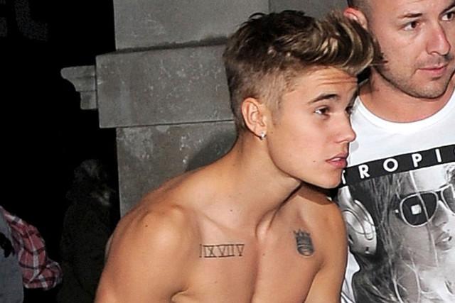 justin-bieber-shirtless