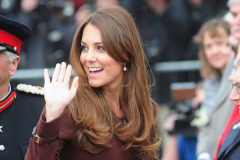 kate-middleton-wave