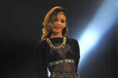 Rihanna Performing Live At The United Center